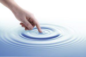 Finger og ringe i vandet
