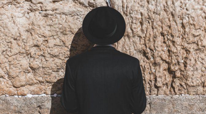 Hvorfor er Mette Frederiksen pludselig blevet åben om samarbejdet med Israel?