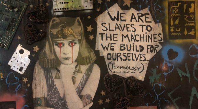 Fjenden vil gøre os til slaver